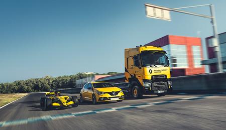 Mi primer camión: así (de fácil) es conducir el Renault T High Sport Racing, una edición especial inspirada en la F1