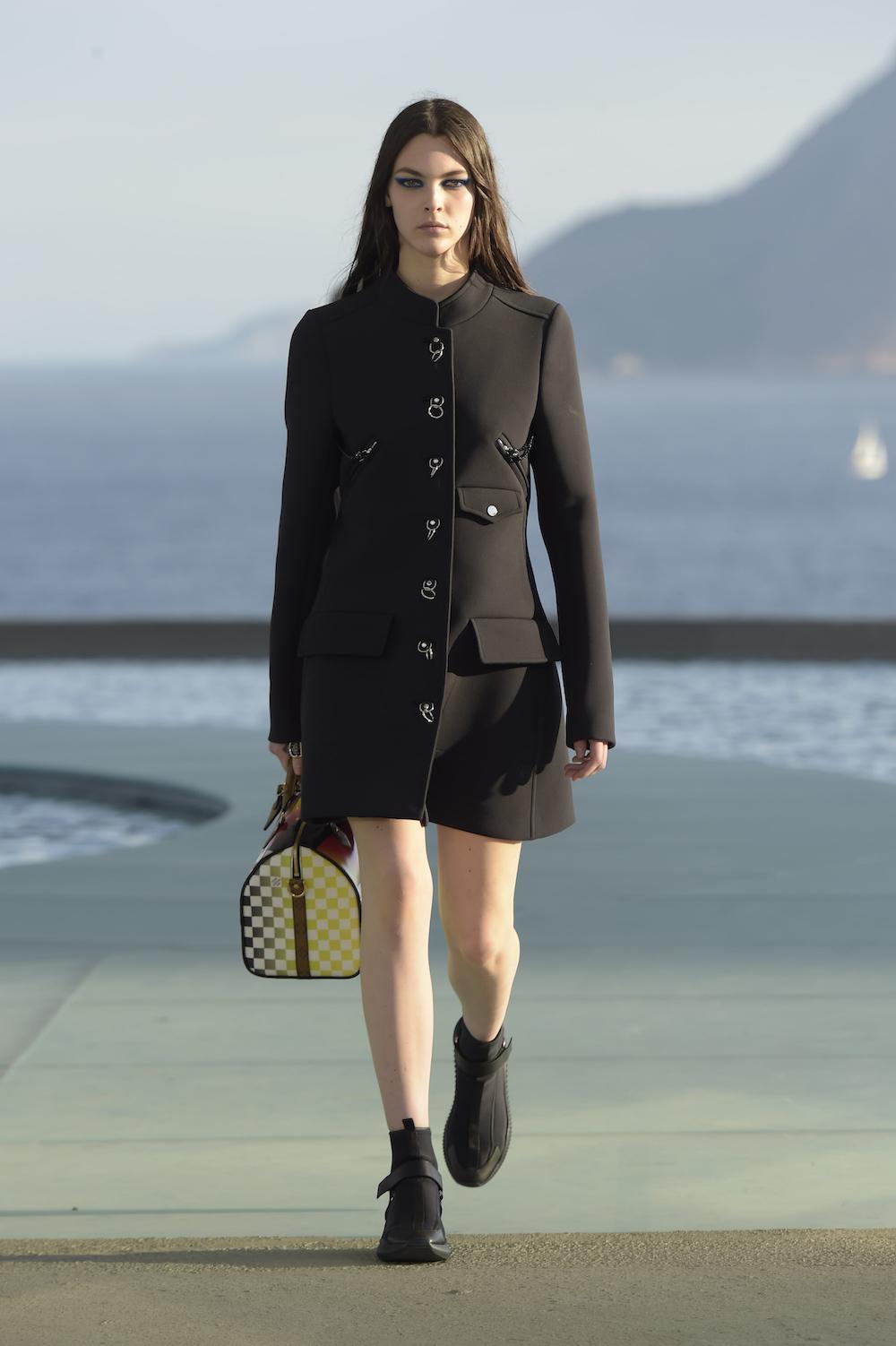 Foto de Louis Vuitton Crucero 2017 (29/47)