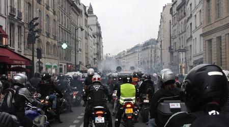 París también estudia prohibir los vehículos antiguos en el centro