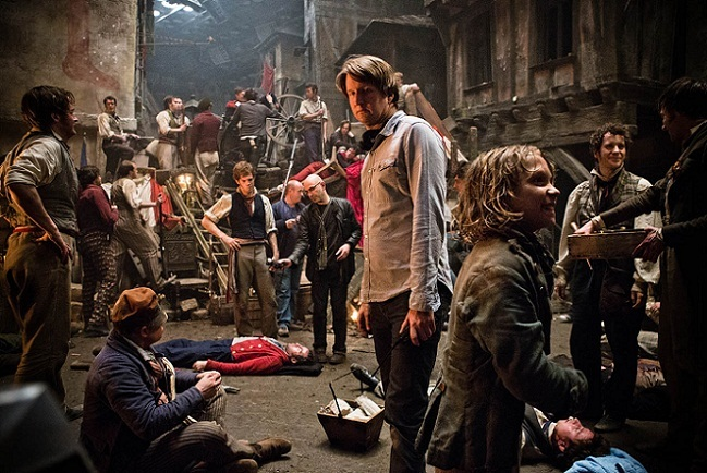 Tom Hooper dirigiendo 'Los miserables'