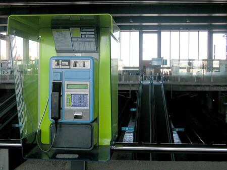 Cabinas telefónicas reconvertidas en puntos de información turística: la última oportunidad para lo que fue un servicio esencial