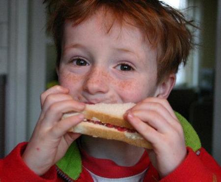Los niños que comen más pan tienen menos exceso de peso