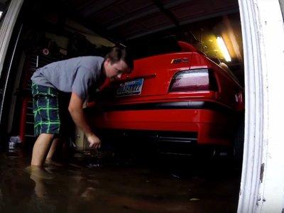 Así ha salvado este tipo sus dos BMW M3 E36 del huracán Harvey