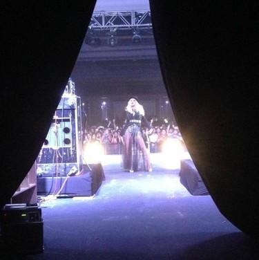 Y la cigüeña llegará a casa de Christina Aguilera con una... ¡Niña!