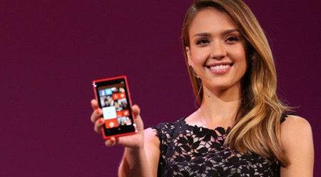 Jessica Alba con Lumia 920