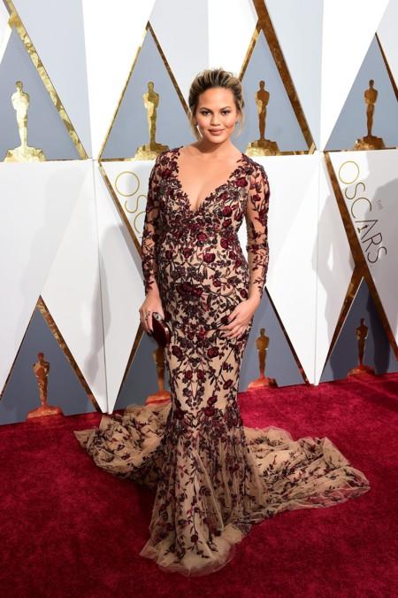 La trenza de Chrissy Teigen en los Oscars 2016 es digna de mención a parte