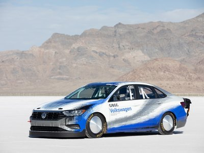 El Volkswagen Jetta Bonneville fue, vio y venció en Salt Flats a más de 335 km/h