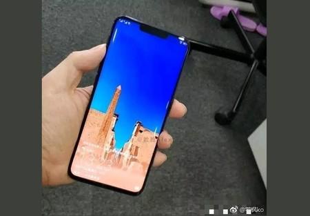 Así sería la pantalla del Huawei Mate 20 Pro: curva, con bordes muy, muy pequeños, y un llamativo notch