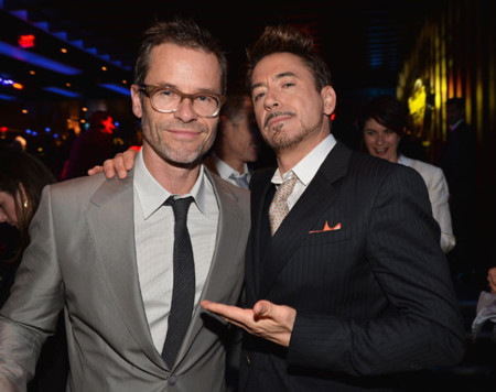 Guy Pearce  y Robert Downey Jr