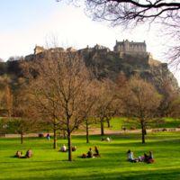 Edimburgo con niños: a jugar y correr en los jardines de Princes Street y Calton Hill