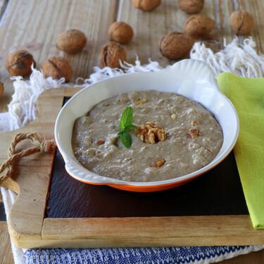 Intxaursaltsa, la receta del tradicional postre vasco a base de nueces y nata