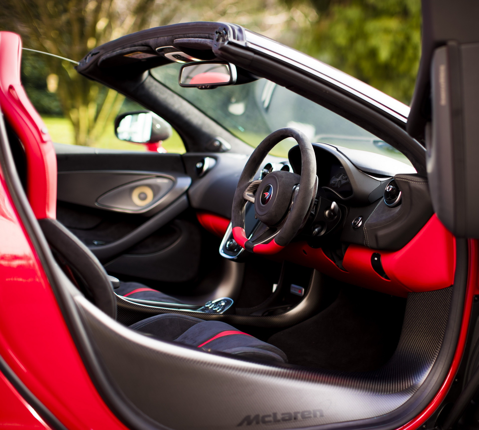Foto de McLaren 570S Spider Vermillion Red (4/9)