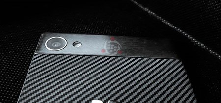 La nueva BlackBerry Krypton está cada vez más cerca y ahora se deja ver en fotos reales