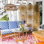 Una colorida y ecléctica casa en Kentucky con muchos muebles sacados de la basura