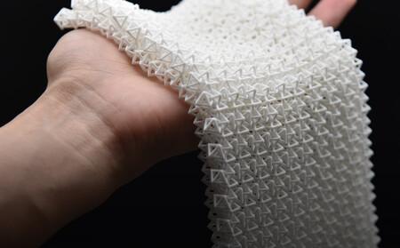 La capa de Batman ya es posible: lo último en ingeniería de materiales es un tejido flexible capaz de volverse tan rígido como el metal