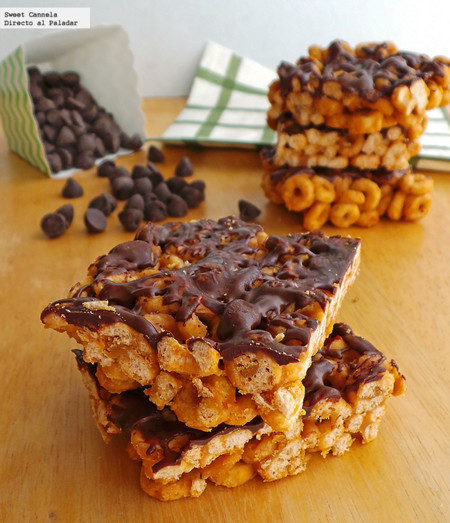 Barritas de cereal, crema de cacahuate y maple. Receta para niños