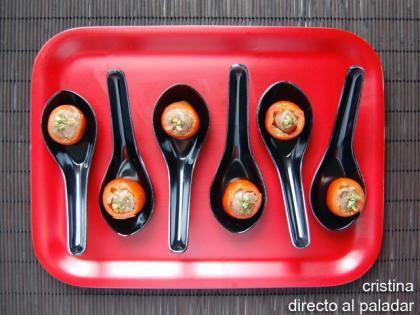 Tomatitos rellenos de pasta de anchoa. Aperitivo
