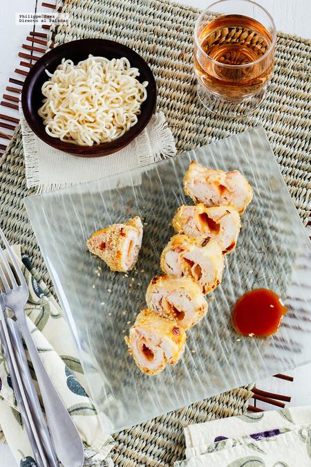 Rollitos de pollo empanizado rellenos de jamón y queso. Receta