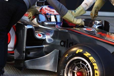 McLaren introduce escapes delanteros en su MP4-26