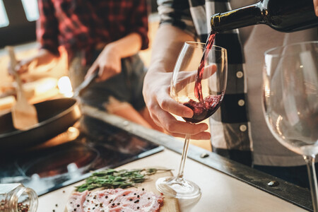 Cómo elegir un vino para celebrar San Valentín, en qué recetas utilizarlo y 38 ideas para triunfar