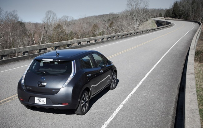 Nissan LEAF 2013 carretera 02