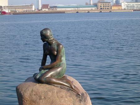 Monumentos de cuento: La Sirenita, El Principito y Caperucita Roja