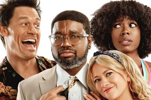 'Amigos pasajeros': una efectiva comedia gamberra en Disney+ que se apoya en el buen trabajo de sus protagonistas