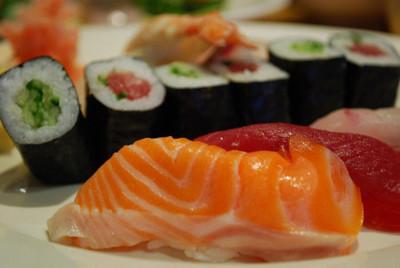 ¿Por qué sí nos gusta el pescado crudo y no otras carnes?