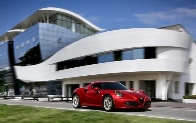 Foto de Alfa Romeo 4C llegará a México en 2014 (3/21)
