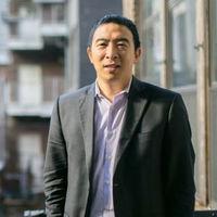 """Andrew Yang, candidato a presidente de EEUU en 2020, centra su campaña en que las máquinas no """"desestabilicen"""" la futura sociedad"""