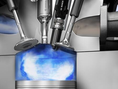 Crean un sistema de combustión que promete motores de gasolina de muy bajo consumo y evitaría la muerte de los coches híbridos