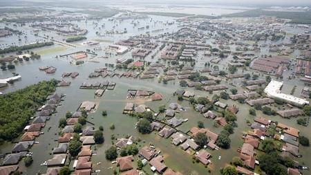 El huracán Harvey destruye un millón de vehículos en Texas mientras GM y Ford se lucen en Wall Street