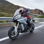 La nueva trail asfáltica BMW S 1000 XR se pone a la venta en España por 18.800 euros