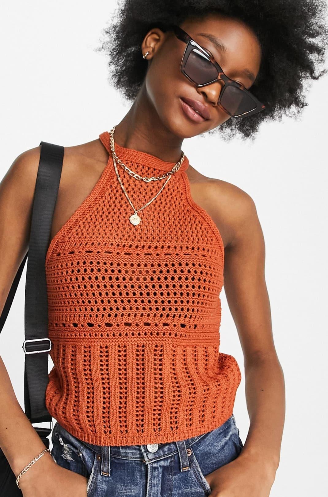 Top naranja con cuello halter decorativo de croché de ASOS DESIGN