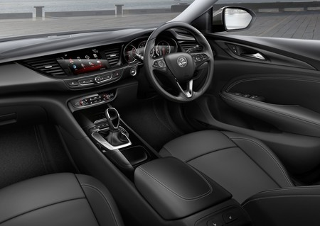 Holden Commodore 2018 1280 04