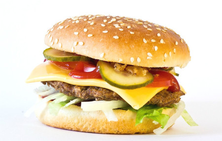 Yo te invito: después del café pendiente, llega la hamburguesa pendiente