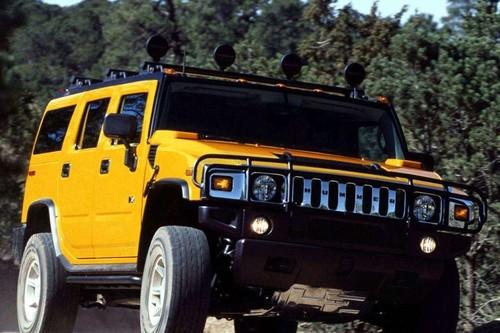 Hummer H2, recordando al SUV que te hacía sentir que viajabas en un tanque de guerra por la ciudad