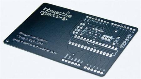 BusinessCarduino, la tarjeta de visita que en realidad es una placa Arduino
