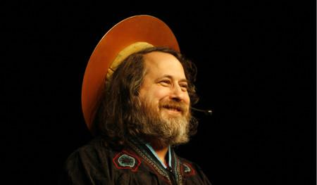 Richard Stallman quiere crear una criptomoneda que mejore todo lo malo de Bitcoin, pero no quiere llamarla criptomoneda