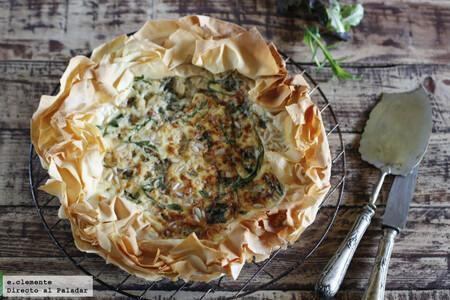Receta de tarta de jamón y queso azul con masa filo, perfecta para la cena