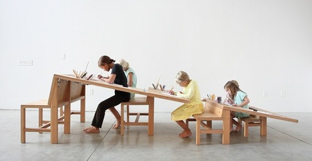 La mesa de trabajo perfecta para familias numerosas