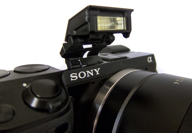 Sony NEX-7 detalle flash