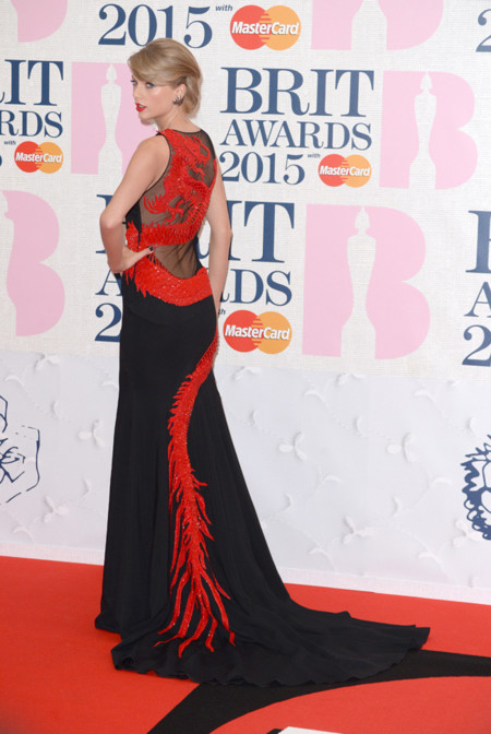 Taylor Swift Brit Awards 2015