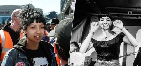 Saffiyah Kahn plantó cara a la extremismo con una camiseta de The Specials. Dos años después, es su cantante