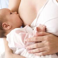 El bebé ha nacido, ¿cómo iniciar la lactancia materna?