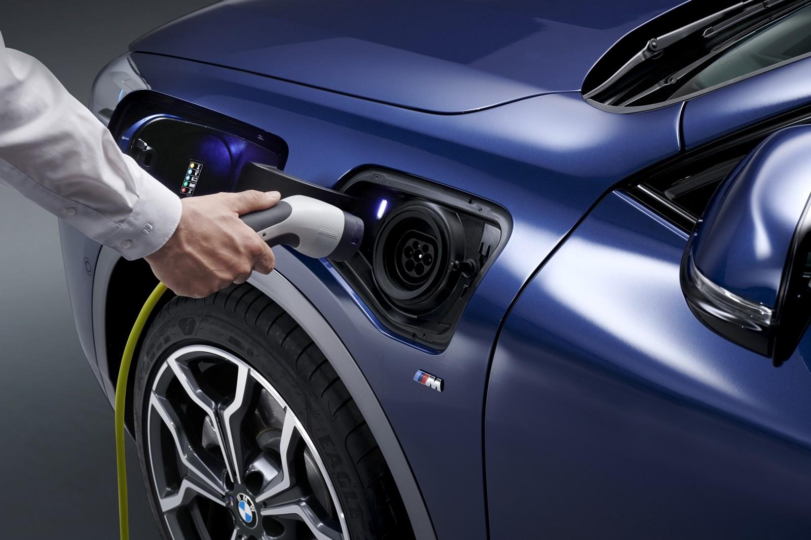 Foto de BMW X2 xDrive25e 2021 (44/53)