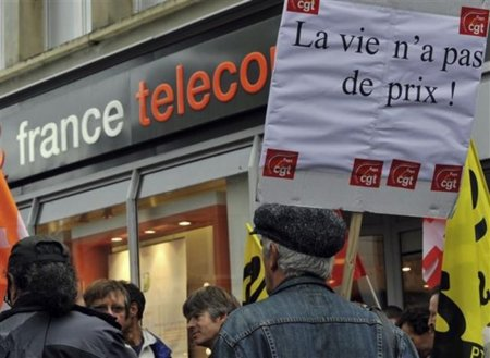 """El máximo accionista de France Telecom, el Estado, achacó los suicidios a la """"fragilidad individual"""""""