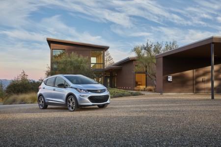Chevrolet Bolt EV 2017, el baby-Volt que nos acercará más al segmento de los eléctricos