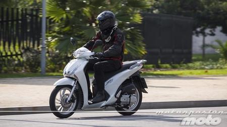 Ya a la venta la Honda Scoopy SH125i con sistema de frenos combinado CBS
