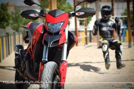 Ducati Hypermotard Megaserfoto